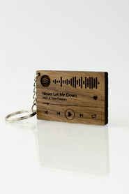 Drewniany brelok do kluczy z kodem Spotify